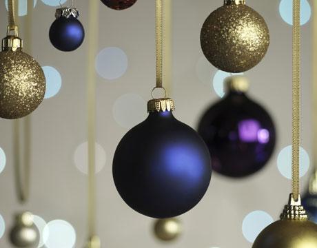 http://www.allabout-energy.com/Pphotos/Holiday/holiday-decor-ideas.jpg